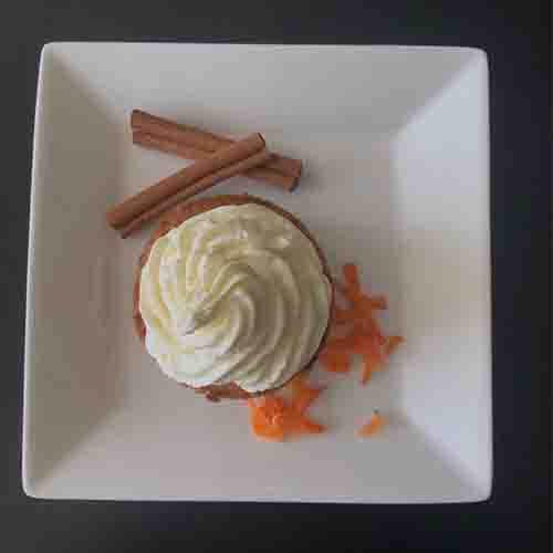 Carrot cake met frisse topping