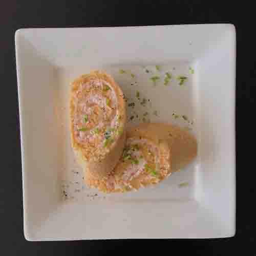 Broodrolletje met zalmmousse