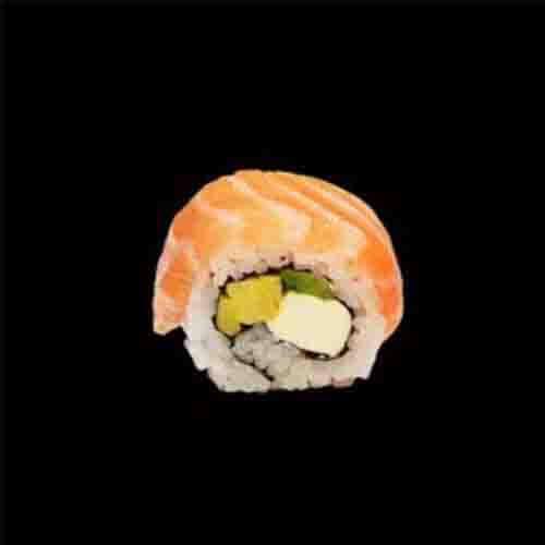 S38. Salmon Cheese Maki (4 stuks)